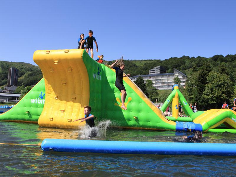 Station verte loisirs tourisme et vacances nature - Camping super besse avec piscine ...